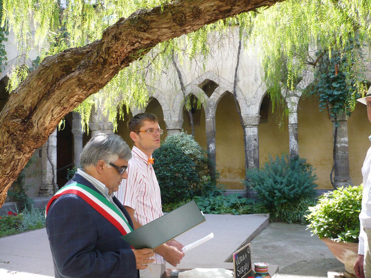 Matrimonio In Comune Quanti Testimoni : Interprete per matrimonio sposarsi in italia